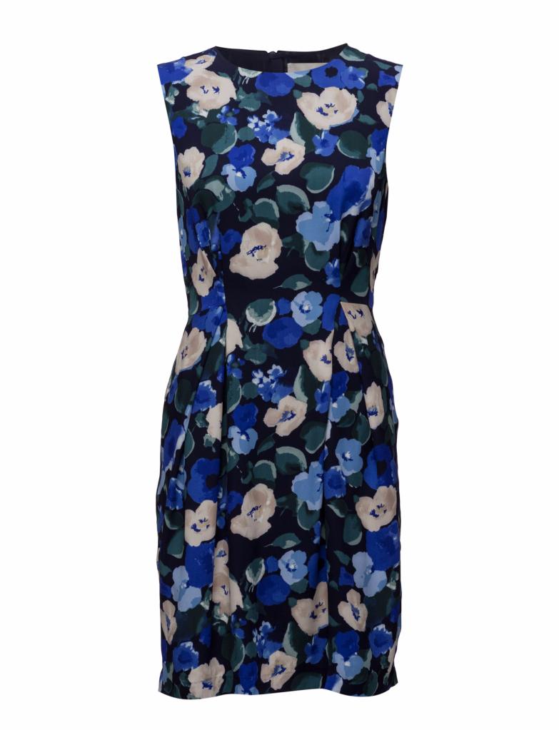 Jättefin blommig klänning som finns HÄR. 07e3b5372c29b
